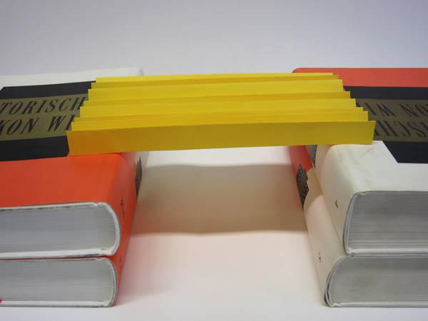 Br cke aus papier experiment h user immobilien bau for Stabile dreiecke